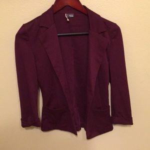 URBAN OUTFITTERS burgundy blazer